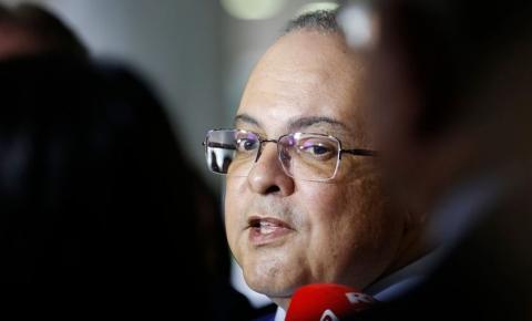 Ibaneis diz que não cederá à pressão de distritais por nomeações