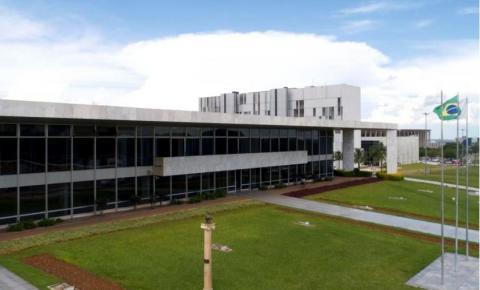 Cargos comissionados: Ibaneis Rocha decreta bloqueio de 30%