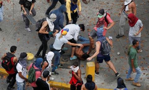 Venezuela vive segunda noite seguida de protestos contra Maduro