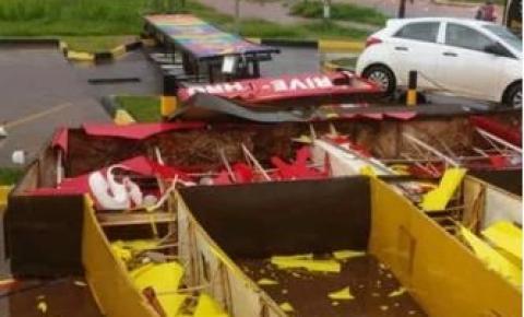 Chuva forte derruba letreiro do McDonald's e causa estragos em Valparaíso