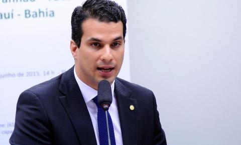 Carro oficial do Senado busca mulher em academia de luxo em Brasília