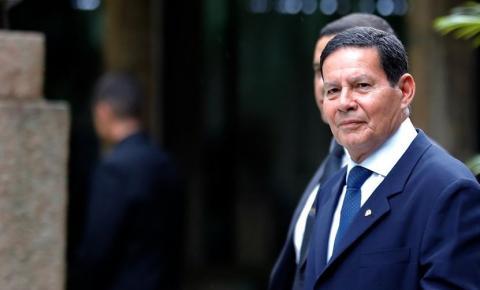 """""""Geisel não foi eleito, eu fui"""", diz Mourão, aplaudido em Harvard"""