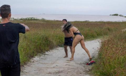 Lutadora de MMA bate em homem que se masturbava em praia do RJ