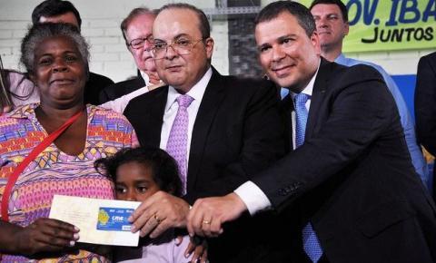 Ibaneis entrega primeiros cartões material escolar