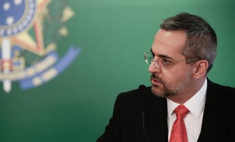 """Ministro sobre professor morto em escola: """"Não pode virar cotidiano"""""""