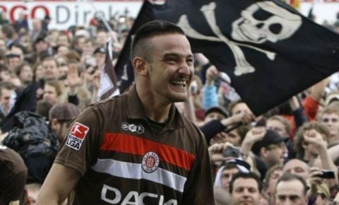 Jogador alemão pode ser preso por fazer apologia ao terrorismo