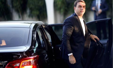 Justiça quebra sigilos fiscal e bancário de Flávio e Fabrício