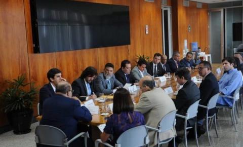 Ibaneis movimenta CLDF para fortalecer base e tentar aprovar projetos