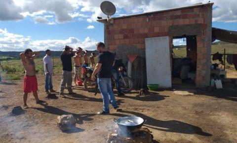 Armados, grileiros agiam como milicianos e extorquiam vítimas no DF