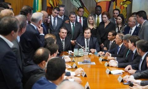 Bolsonaro leva à Câmara mudanças nas regras da CNH