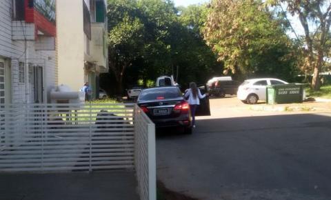 Em carro oficial, motorista leva cachorro de senador ao veterinário