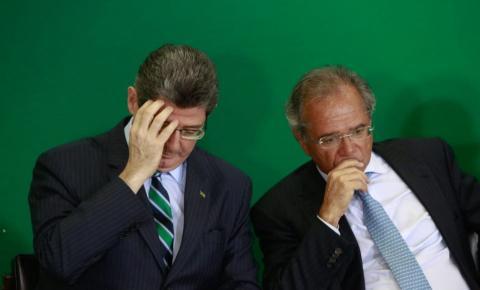 Bolsonaro diz que pode demitir Joaquim Levy do BNDES na segunda-feira