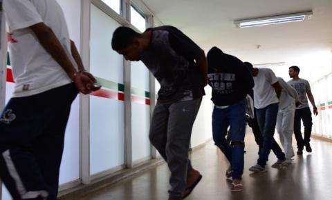 Polícia Civil prende investigados por roubo de carga de cigarros