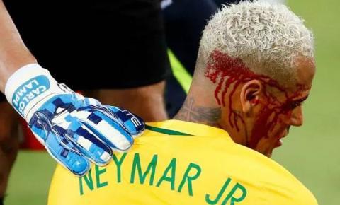 Autor de cotovelada em Neymar critica soberba do brasileiro