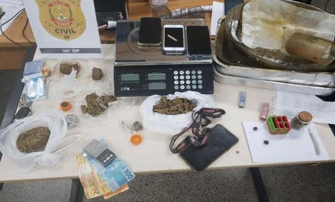 """Tráfico: polícia prende aluno da UnB e homem que montava """"kit maconha"""""""